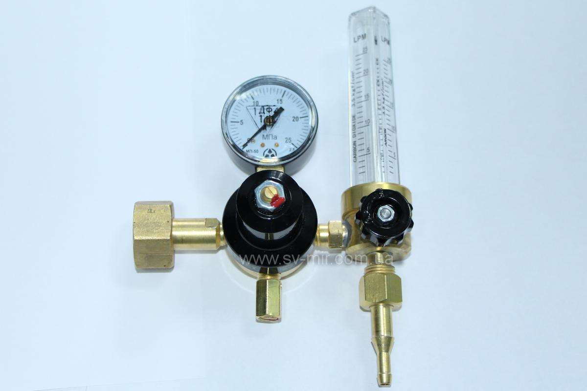 reguljator-rashoda-ar-40-u-30-2dm-s-rotametrom